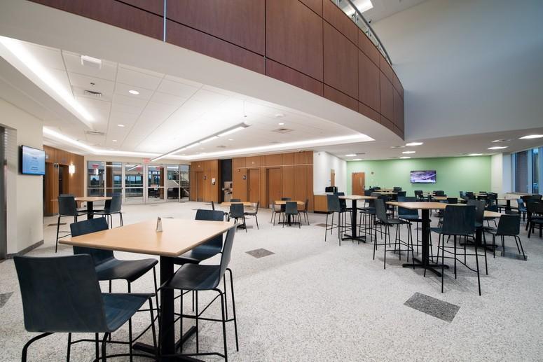 Bob S Furniture Corporate Headquarters Fip Construction